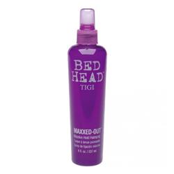 TIGI Bed Head Maxxed Out Massive - Cпрей для сильной фиксации и блеска волос 236 мл