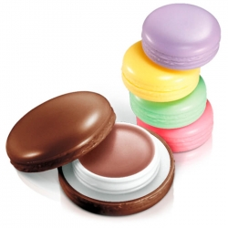 It's Skin Macaron Lip Balm - Бальзам для губ в форме пирожного Macaron тон 01, клубника, 9 г
